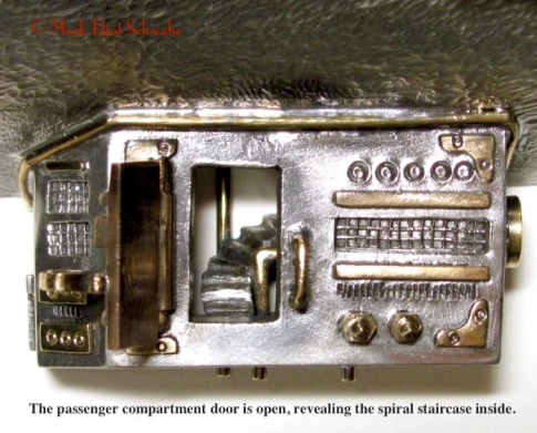 RoyalAirship_NO_frame4_lower_compartment_open_annotated